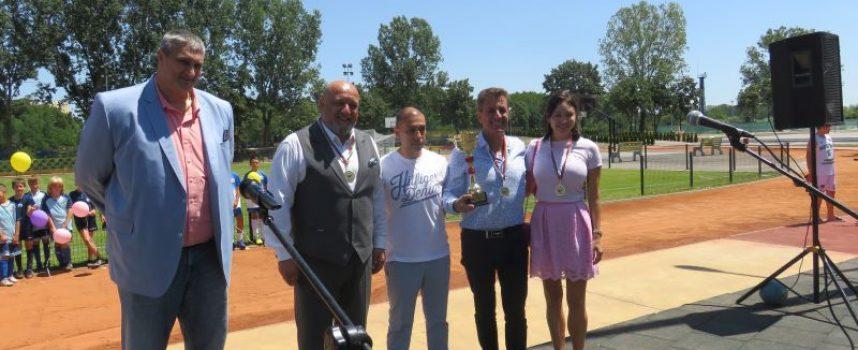 Министър Кралев, Любо Ганев и Тодор Попов откриха най-новото спортно бижу на Пазарджик (обновена)