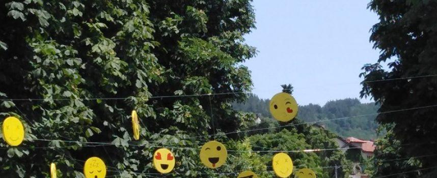 Алея на емоциите и емотиконите има вече в Брацигово