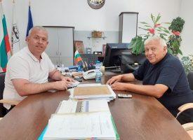 Кметът на Пещера се срещна с проф. Васил Николов, ето защо