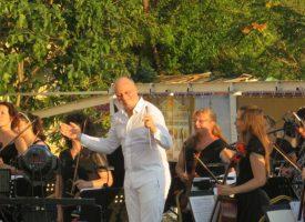 """Маестро Паликаров дирижира снощи заключителния концерт на Международен фестивал """"Balchik Classic Days"""""""