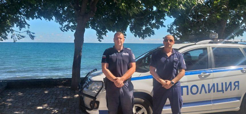 Наши полицаи дават дежурства край морето