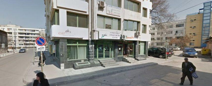 Бизнесменът Георги Петраков скочи от третия етаж на бизнесцентъра си и почина