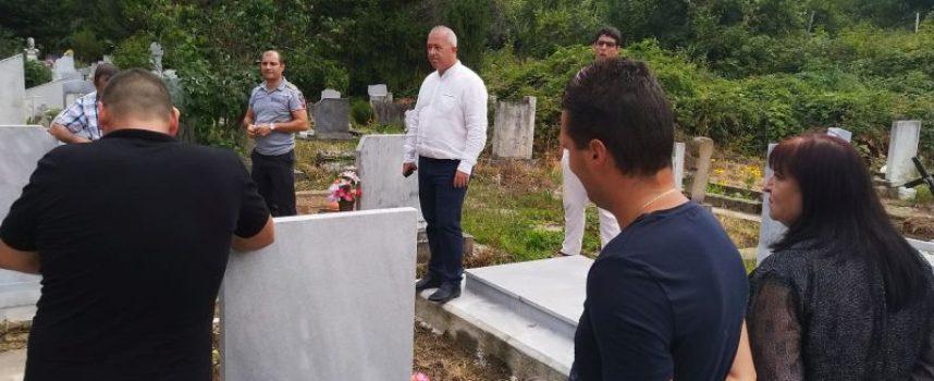 Вода за напояване заля пещерските гробища, Младенов обяви частично бедствено положение