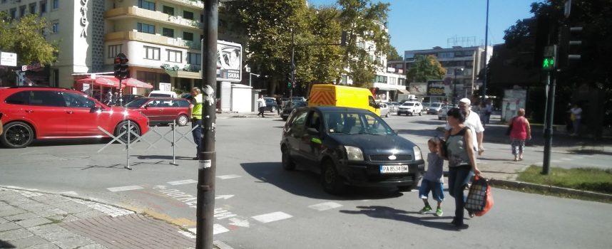 Пазарджик: Блъснаха жена на пешеходната до Общината