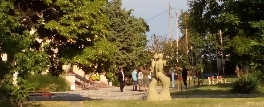 Васил Петров изненада Калугерово, планира нов проект в селото на майка си