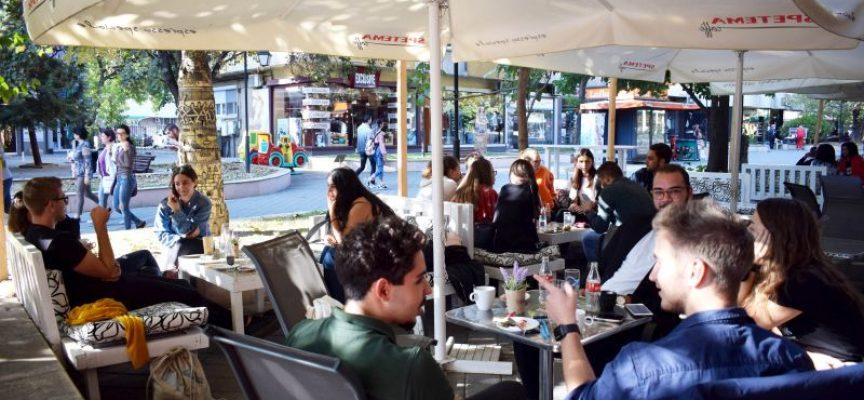 Упражни английския си на кафе