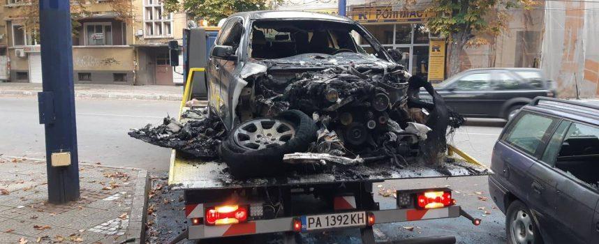 Все още не е ясно кой е запалил колите в Пазарджик