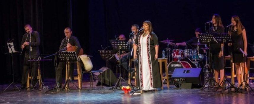 """Ива Гидикова  с бляскав концерт за промоцията на първия си солов албум ,,Част от мен"""""""