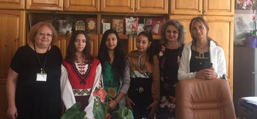 Днес: Община Брацигово посреща посетителите си с мед и пита