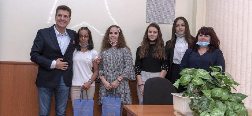 """Тодор Попов към младите хора на Пазарджик: """"Вие сте бъдещите управленци на общината"""
