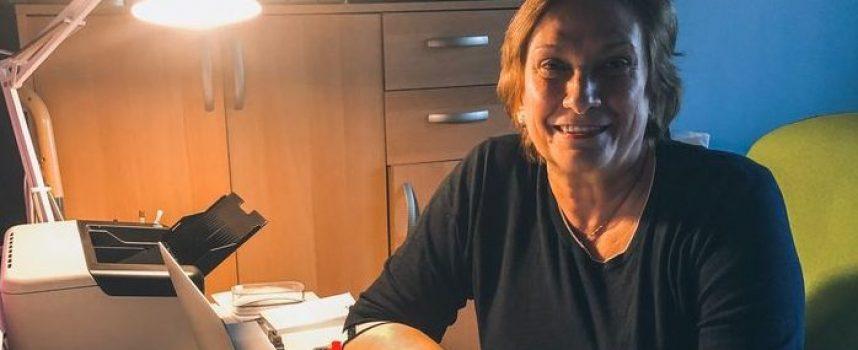 Евродепутатът Искра Михайлова е с Covid-19: Пазете себе си и останалите!