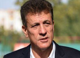 Кметът Тодор Попов с Поздравителен адрес до лекари и акушерки