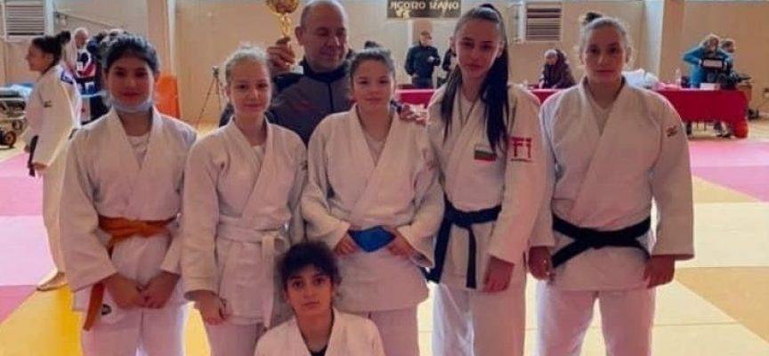 """Девойките от СК """"Кодокан"""" с шампионска титла от Държавното първенство"""