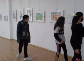 """Над 150 деца и родители разгледаха изложбата """"Пещерските будители"""""""