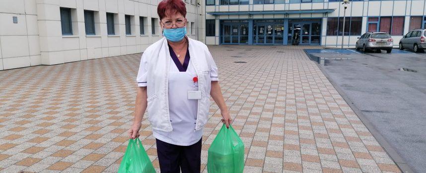 """Топъл обяд за панагюрските медици дарява фирма """"Фаиър"""""""