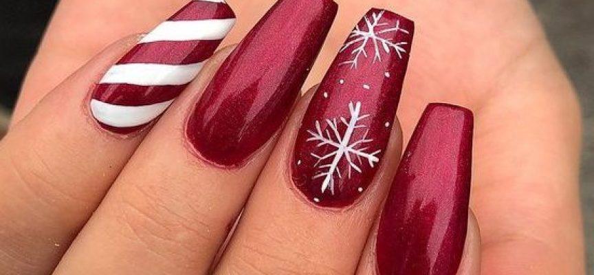 Красиви по Рождество: Украсете маникюра си в червено и бяло