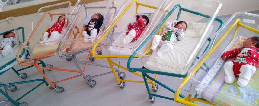Момченце е първото бебе родено по време на Рождественските празници