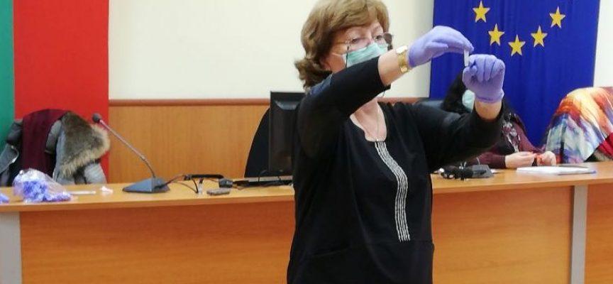 Д-р Фани Петрова, проведе обучение на медицински специалисти от училища и детски градини