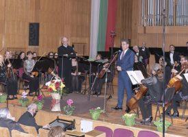 """Пазарджиклии: """"Зимни музикални вечери"""" е гордост за града, браво на Община Пазарджик"""
