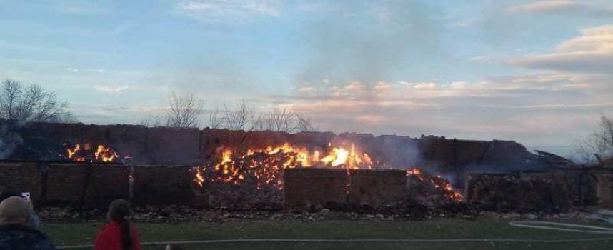 Пожар изпепели овчарниците на Али Конгьов в с. Ветрен дол