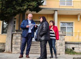 """Йордан Младенов направи оглед на детските градини """"Изгрев"""" и """"Слънчо"""""""