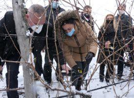 Министър Десислава Танева бе гост на Беса Валей, заряза ритуално