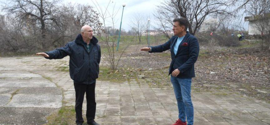 """Община Пазарджик започва обновяването на парка от моста на Марица до """"Балона"""""""