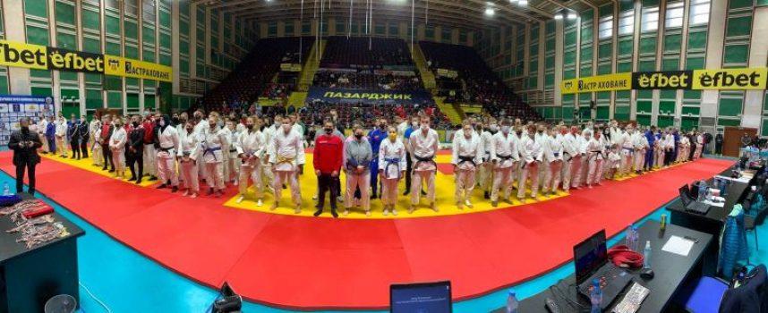 """Четири медала за СК """"Кодокан"""" от много оспорвано състезание по джудо"""