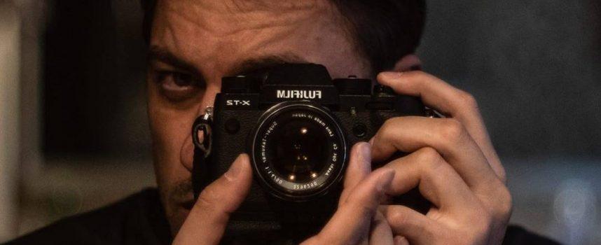 Владимир Карамазов пренесе Кръстава в Щатите   със снимката на Юсуф, гласувайте за награда