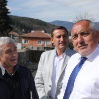 С обиколка на премиера Борисов в област Пазарджик завърши кампанията на 13 МИР на коалиция ГЕРБ и СДС