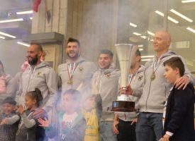 Пазарджик посрещна Хебър и шампионската купа, вижте как се случи това (снимки и видео)
