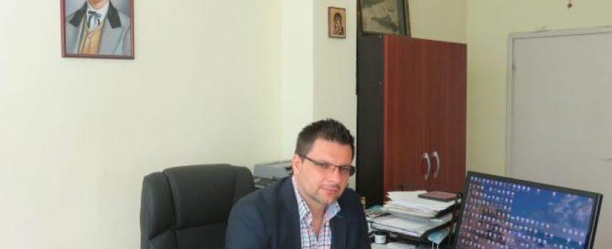 Адвокат Парпулов и директорът на ПГХХТ – Тодор Джамбов са новите зам.-областни управители