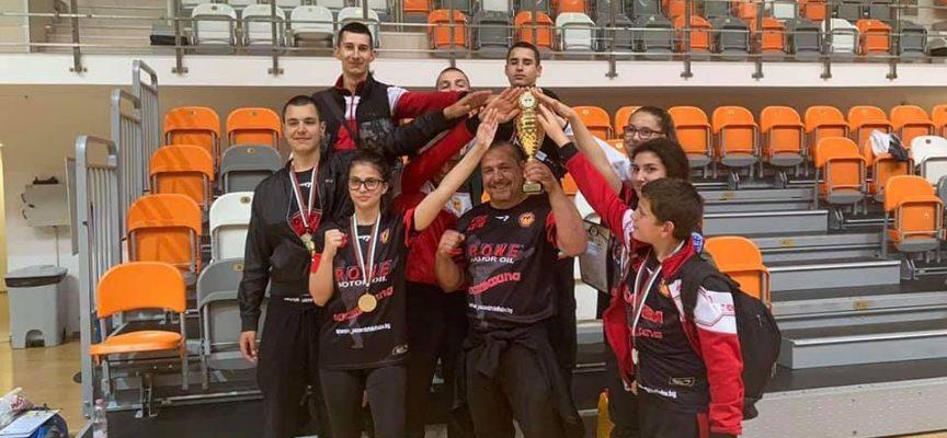 Шампиони и много медали за Спартак Пазарджик от Държавното по кикбокс