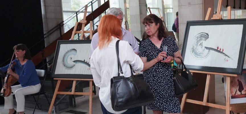 """Три вида изкуство се съчетаха в ДКТ """"Константин Величков"""" вчера"""
