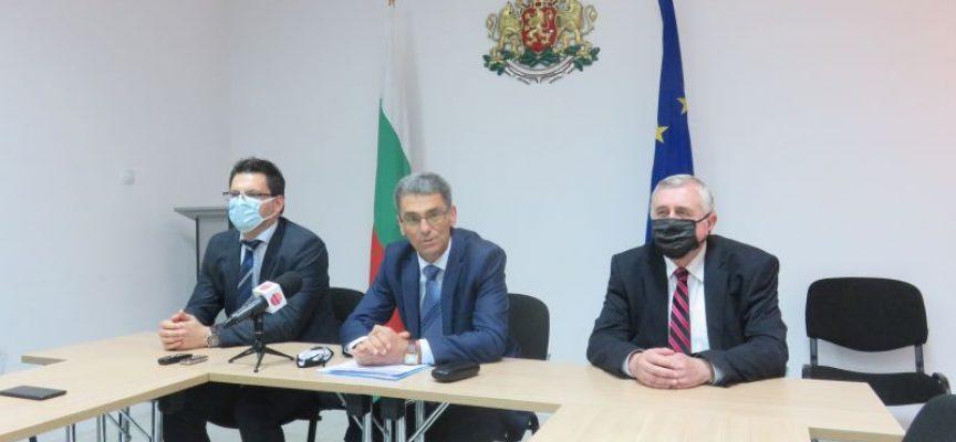 Областният управител предлага създаването на две ваксинационни зони на открито в Пазарджик