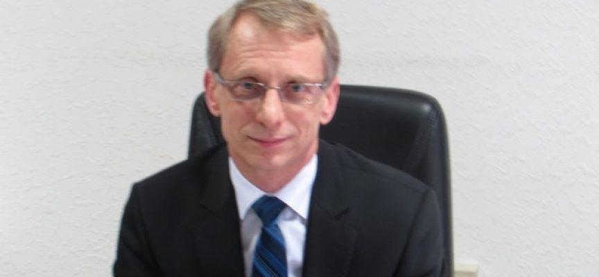 """Министърът на образованието идва утре в """"Иван Аксаков"""""""