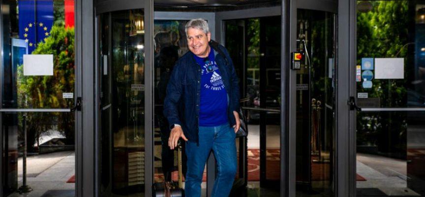 Камило Плачи пристигна в Пазарджик! Фенове го посрещнаха в хотела