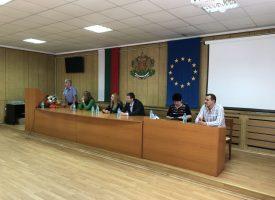 Екатерина Захариева: Ако държавата не се разплаща с бизнеса и спира проекти, това създава хаос