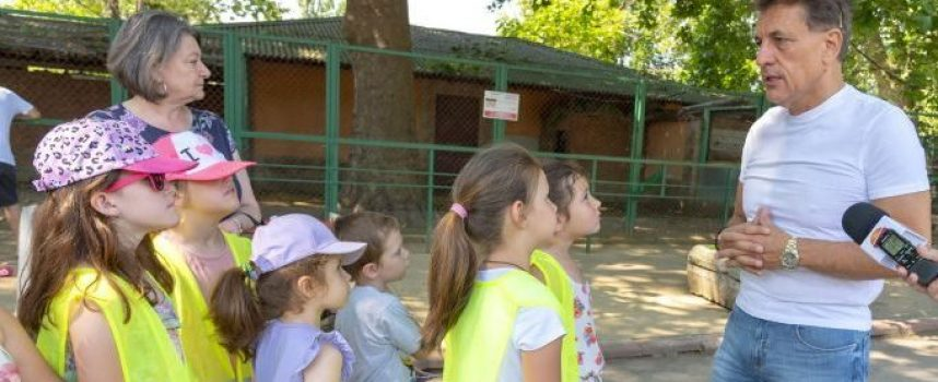 """Днес стартира общинска образователна програма """"Лято в зоологическата градина"""""""