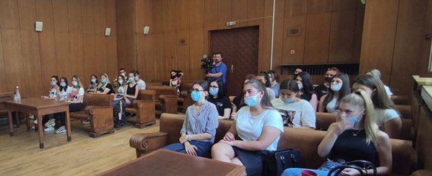 Съдия Ирина Джунева изнесе открит урок за структурата и функциите на съдебната власт