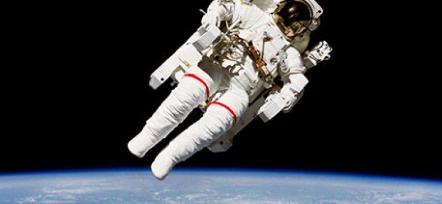 Коментар: За астронавтите и гласуването