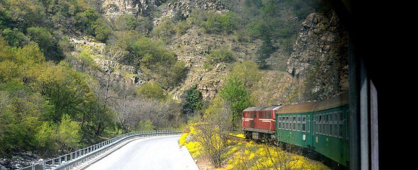 В неделя: Специален влак отбелязва 95-годишнината на теснолинейката