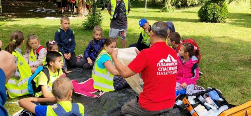 56 деца доброволци от ДПУ бяха на обучителен лагер край Юндола