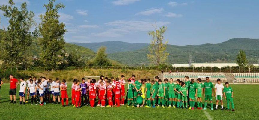 """Двадесет отбора мерят сили във футболен турнир """"Peshtera Cup 2021"""""""