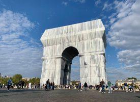 """Коментар: """"Триумфалната арка, опакована"""" за или против?"""