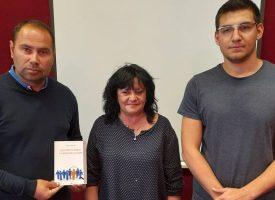 Дарение от книги направи Георги Кръстев на читалището в Черногорово