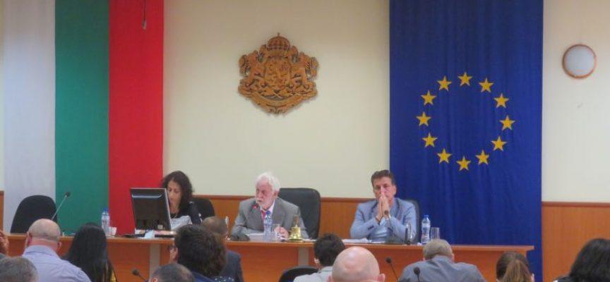 """Съветниците се отказаха от увеличението на такса – смет, кметът Тодор Попов предрече """"тежка зима"""""""