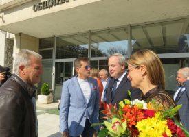 Кметът Тодор Попов посрещна кандидат – президентската двойка проф. Герджиков – полк. Митева