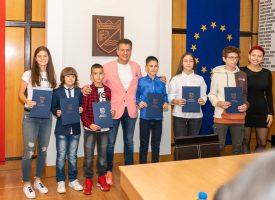 Шестима състезатели получиха наградите си месец септември